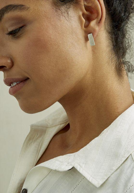 Short B. Earrings Silver