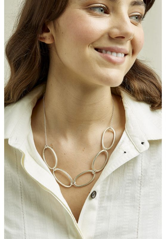 Linked Ovals Nacklace